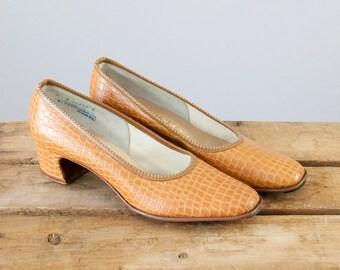 1960s Vintage Faux Crocodile Pumps. 60s Heels (size 6 A)