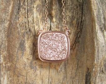Rose Gold Druzy Necklace, Drusy Necklace, Druzy Quartz Jewelry, Gemstone Necklace, Layered Necklace, Raw Stone Necklace, Rose Gold necklace