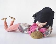 Vintage 1960s teenager doll, Creaciones Lowen, handmade, Mexico, cloth face, black yarn bouffant, pink gray felt, hipster sandals, fuchsia