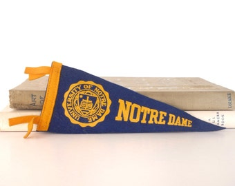 "Vintage Notre Dame felt pennant, blue and gold with university seal, Fighting Irish football team, mini 8.5"", college sports memorabilia"