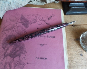 Vintage FRENCH nib holder with nib - unused  Galalith