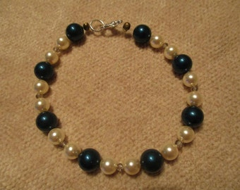 deep teal and ivory pearl bracelet