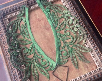 lace necklace / lace collar necklace / statement necklace / ELYSE / ombre / emerald green necklace / one of a kind / OOAK