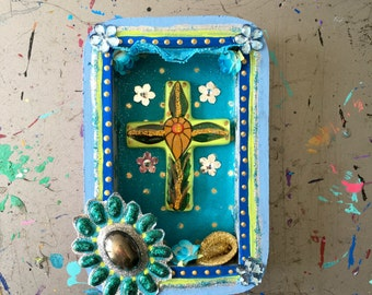 Sale! ***Box frame Mexican style with ceramic cross beautiful shadow box // turquoise blue green // Mexican folk art