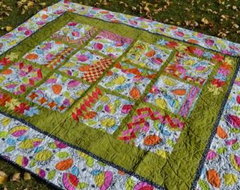 Border Sampler full size bed Quilt, Pink Green Floral Bedding, Full Size Blanket, Dorm Room Decor