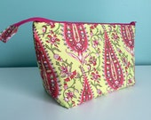 Zippered Flat Bottom Knitting Project Pouch Bag Tote medium Size Pink Green Paisley