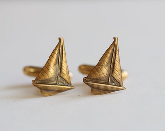 Sailboat Cufflinks Men's Cufflinks  Antiqued Brass Vintage Style Fashion Accessories