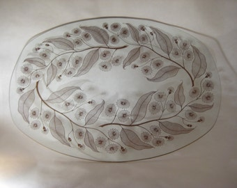 Glass Plate with Gold Leaf Pattern 1950s