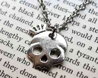 Small Crown Skull Chain Necklace