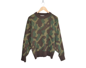 Vintage Duck Bay Army Camo 100% Virgin Acrylic Crewneck Sweater