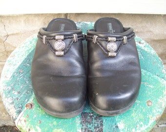 Black Leather Minnetonka Moccasin Slides Size 6.5 Euro 37 UK 4.5