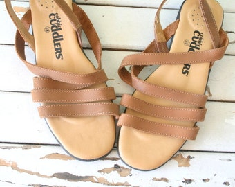 SALE/// Vintage BOHO LEATHER Peep Toes...size 8.5 womens...shoes. open toed. peep toed. hippie. sandals. cobbie cuddlers. retro. boho. urban