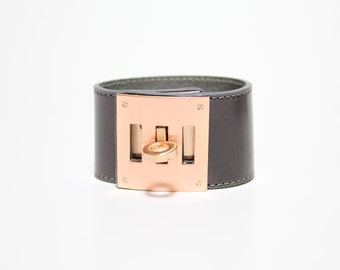 Leather Wrap Bracelet with Brushed Rose Gold Plated Square Closure Ornament(Warm Grey)