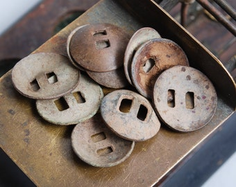 Set of 10 antique brass Buttons. Primitive finding (n3)