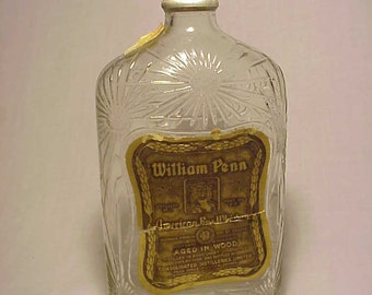 1928 William Penn American Rye Whiskey Consolidated Distilleries Limited Montreal, Canada , Original Labeled Whiskey Flask Bottle