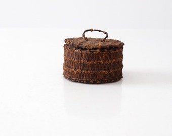 FREE SHIP  vintage clove basket, decorative basket with lid