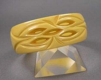 Carved Bakelite Bangle, Pierced Bangle, Cream Corn, Golden Yellow, Vintage Catalin, Rockabilly