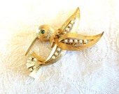 Vintage Hummingbird brooch JJ co. Gold with Rhinestone and Pearls retro Beauty Garden Nature Lover~~~