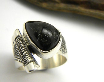 Sterling silver moss agate ring ,tear drop dark moss agate, artisan silver ring, Ring size 6, moss agate jewelry, statement ring