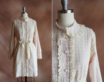 vintage 1960's pale blush & cream lace ruffle bow peter pan collar mini babydoll dress / size s