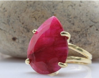 SUMMER SALE - ruby ring,gemstone ring,July birthstone ring,gold ring,teardrop ring,pear ring,faceted ring,statement ring