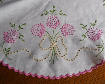 Pretty Vintage Embroidered Doily Pink Flowers Yellow Bows EUC