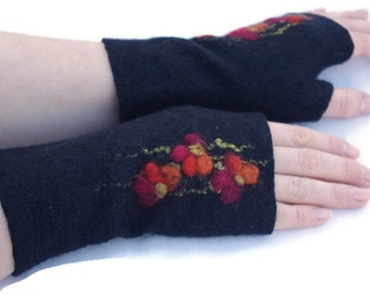 Felted Fingerless Gloves Fingerless Mittens Arm warmers Wristlets Merino Wool Black Red