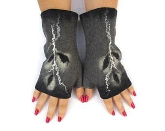 Felted Fingerless Gloves Fingerless Mittens Arm warmers Wristlets Merino Wool Black Grey White