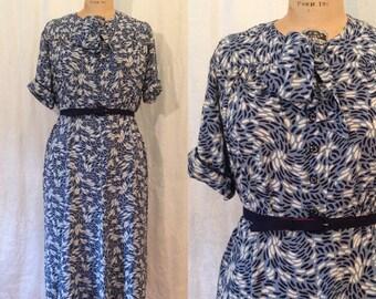 Blue Print Dress / 1940s / medium - large