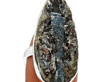 WOW Matrix. Kyanite, Garnet & Biotite Mineral Specimen, Ring Size 6