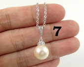 10% OFF Set of 7 Bridesmaids Pearl Necklaces - Wedding Swarovski Pearl Drop Necklace - Rose Peach, Rosaline, White, Cream, Black, Navy Blue