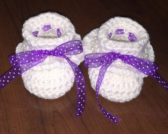 Crochet Newborn Baby Girl Ruffle Booties, Ready to Be Shipped, Free US Shipping