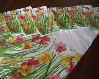 Vintage Vera Tablecloth and 6 Napkins 1960's Table Linens Dining and Serving