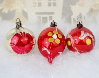 Small Vintage Red Christmas Ornaments Hand Painted Silver Yellow White Teardrop Poland Set of 3 Three 1950's