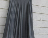 Grey Accordion Pleated skirt//31'' waist