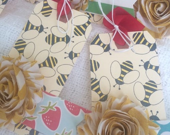 Bees 'n Blooms Gift Tags