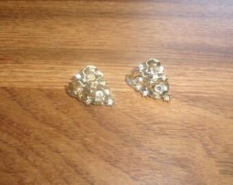vintage clip on earrings goldtone flowers rhinestones