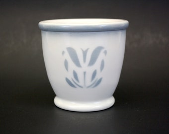 Vintage Syracuse China Custard Cup with Airbrushed Grey Tulip (E4644)