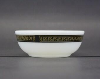 Vintage Pyrex 'Fleur De Lis' Black Band Soup Bowl (E7516)