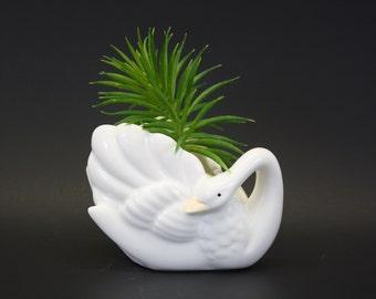 Vintage 1983 White Ceramic Swan Planter with Yellow Beak (E1168)