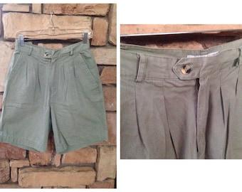 90s Preppy Pleated Normcore Khaki Shorts