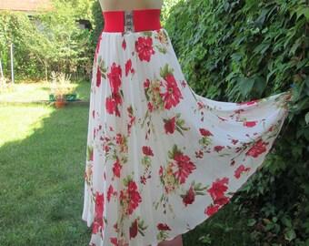 Long Pleated Skirt Vintage / Size EUR40 / 42 X UK12 / 14