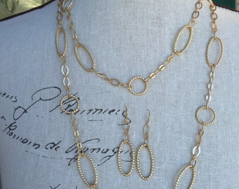 Matte gold chain long necklace and earrings set would make a great Christmas gift