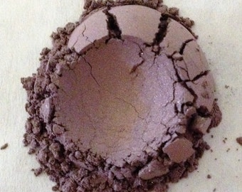 Organic Cosmetics Eye Shadow WITCH'S BREW Mineral Eye Shadow Beauty Purples All Natural Hand Crafted Cruelty Free
