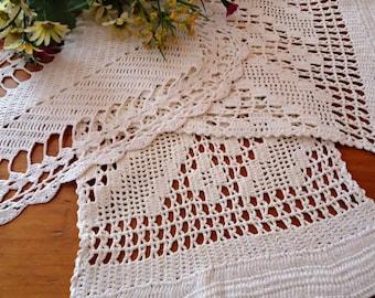 3 Crocheted Doilies Crocheted Doilys  Ecru Vintage Doilys Doilies  Lot  B271
