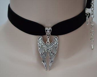 ANGEL WINGS Large Charm Pendant BLACK 16mm Velvet Ribbon Choker - sa ... or choose another colour velvet, hand made to size :)