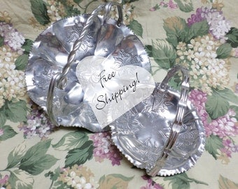 Hammered Aluminum Set of 2 Vintage Candy Cookie Bon Bon Trays Sweet Peas Free Shipping!