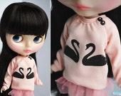 Black Swans sweater for Blythe