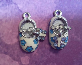 New 2 Cute White Blue Flower Baby Shoes Charm Pendant