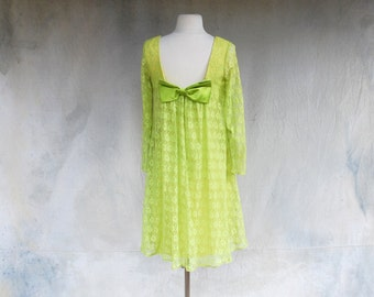 1960s lime green lace baby doll cocktail mini dress - 60s mod tent party dress - M
